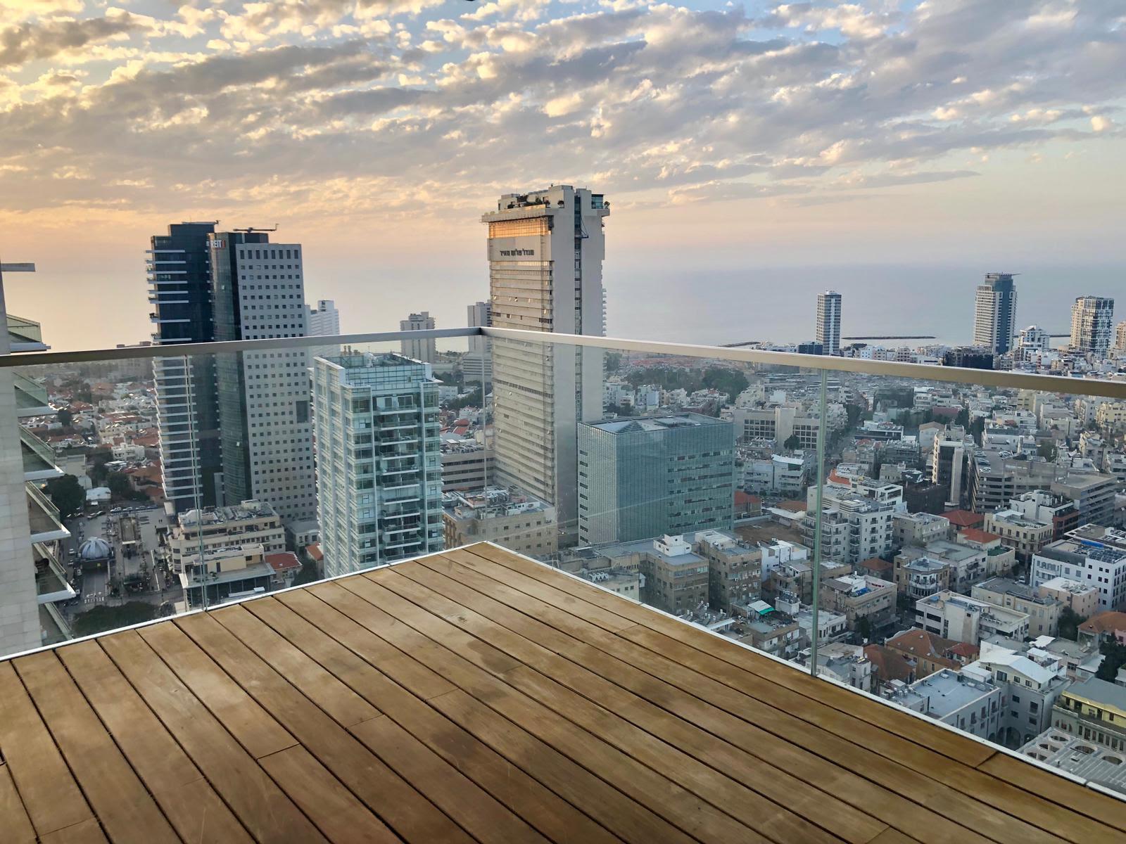 להשכרה דירת יוקרה במגדל ריצא'רד מאייר על רוטשילד תל אביב