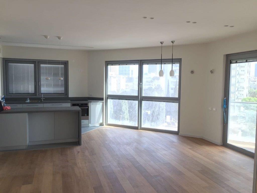 למכירה דירת יוקרה במגדל סוטין 29 , לב העיר תל אביב
