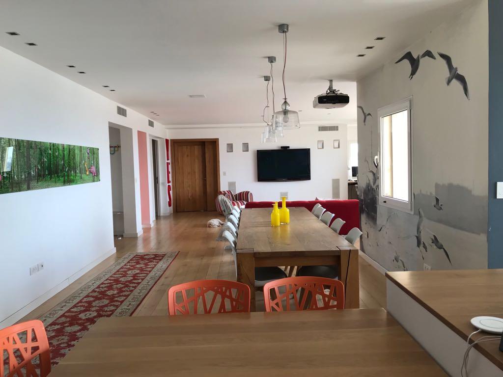 למכירה דירת יוקרה בלב הצפון הישן במגדל בזל, תל אביב ישראל