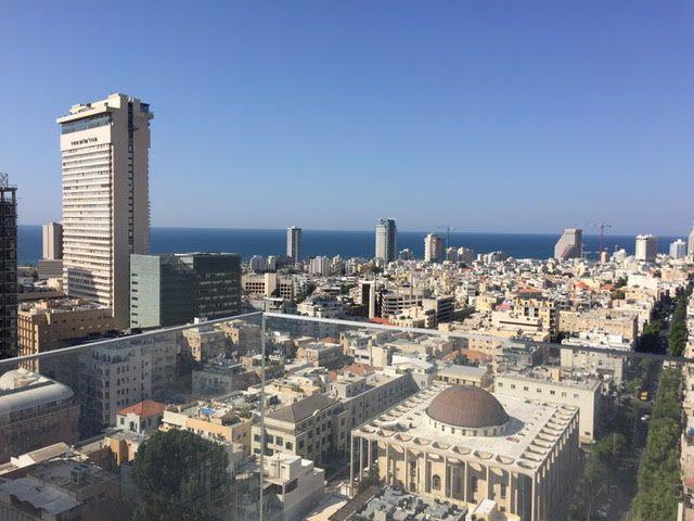 להשכרה דירת יוקרה במגדל ריצ'ארד מאייר על רוטשילד תל אביב ישראל
